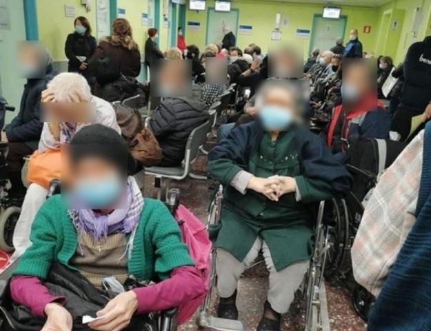 Θεσσαλονίκη: Συνωστισμός στο Θεαγένειο νοσοκομείο – «Αν βλέπατε τα μάτια τους θα ανατριχιάζατε»(Εικόνες)