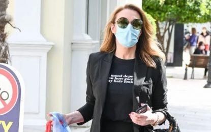 Η Τατιάνα Στεφανίδου βγήκε για ψώνια στην Κηφισιά με παντόφλα